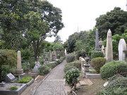 山手外国人墓地内