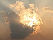 爆発みたいな雲