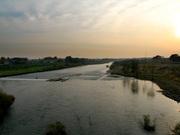 橋の上から見る鬼怒川