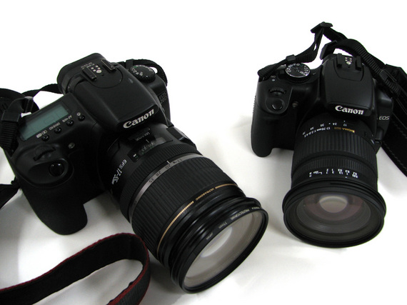 左がEos 20D、右が Eos Kiss Digital X(1)