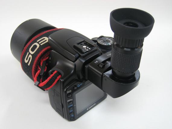 カメラにアングルファインダーを取り付ける