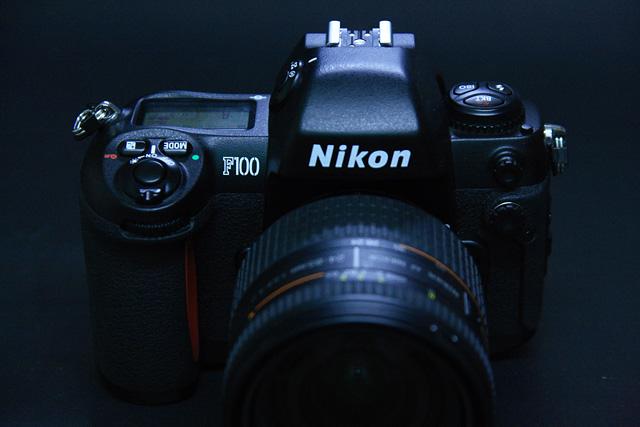 Nikon F100(2)
