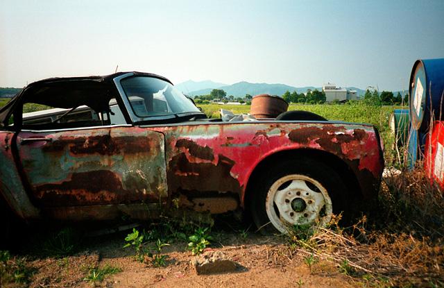 筑波山と廃車