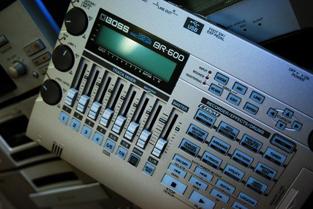 Rolad BOSS BR-600(1)