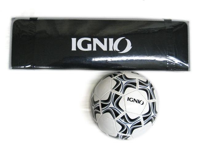 エクササイズマットとサッカーボール